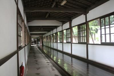 ピカピカの廊下
